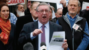 NSW Shadow Minister for Local Government, Mr Peter Primrose, campaigning in Sydney against council amalgamations