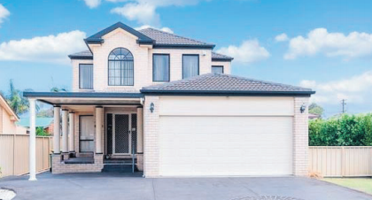 Number 3 Pattie Place, Woy Woy, was expected to sell for around $1 million
