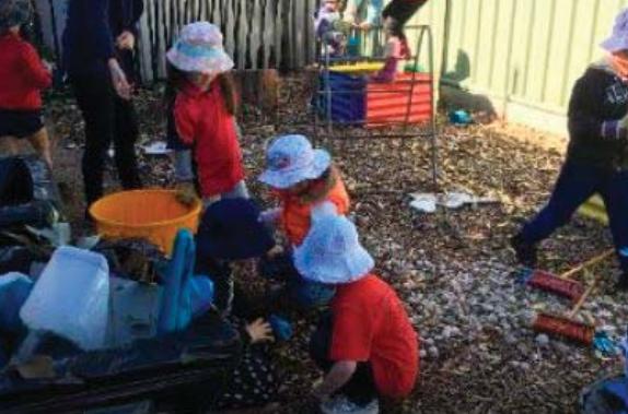 Woy Woy Preschoolers having fun in the therapy garden