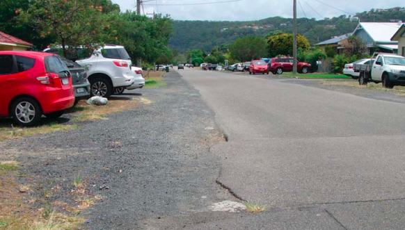 Many Peninsula streets remain without kerbs or gutters. Photo: Rod Fountain