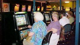 Poker Machine Players. Image: Wiki-commons