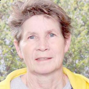 Australian football legend Ms Julie Dolan is supporting the Mariners' bid to establish a W-League team