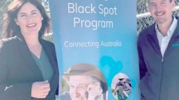 Lucy Wicks with Vin Mullins from Optus at Calga